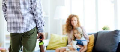 Jak uchronić dziecko przed alkoholem?
