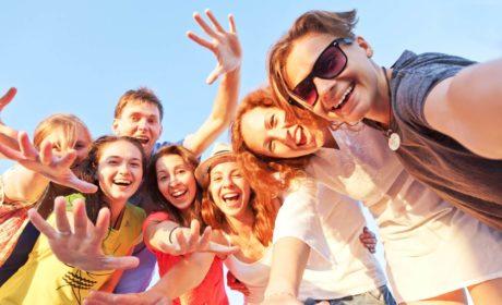 Czynniki chroniące młodych ludzi przed uzależnieniem, cz. 1: silna więź z rodzicami (rodziną) i udział w pozytywnych grupach rówieśniczych