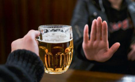 Czy osoby z problemem alkoholowym mogą pić piwo bezalkoholowe?