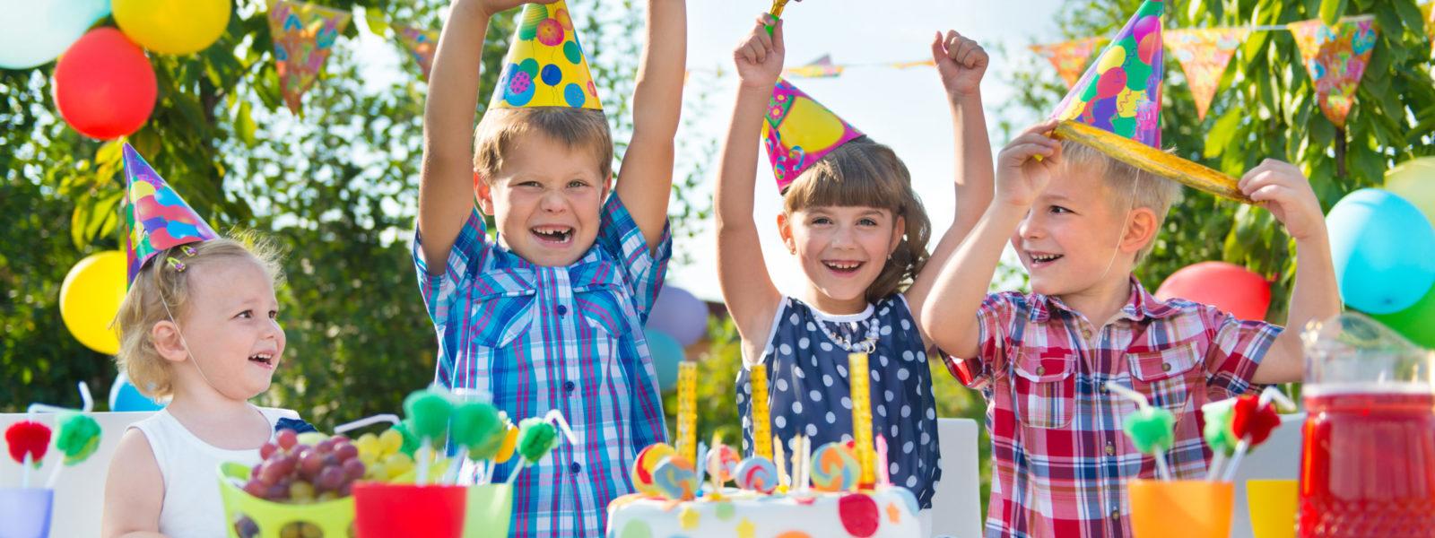 Szampan bezalkoholowy na przyjęciu dziecka – czy to dobry pomysł?
